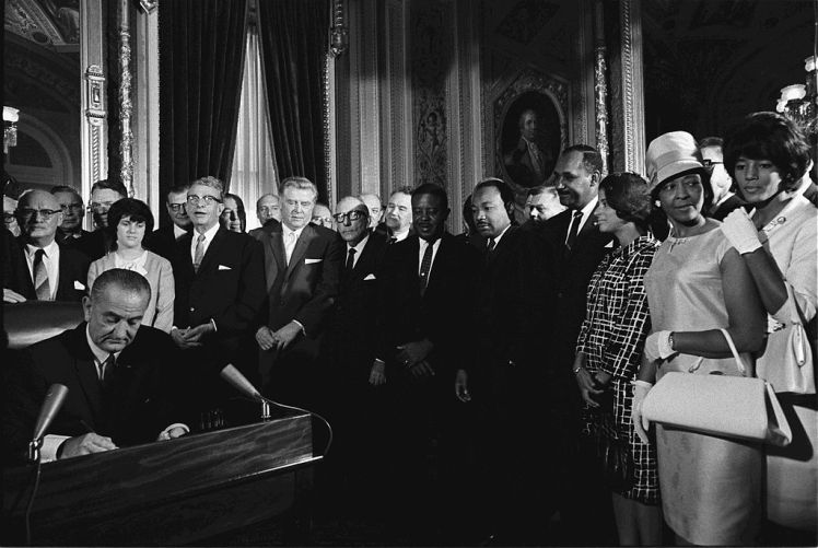 1024px-LyndonJohnson_signs_Voting_Rights_Act_of_1965